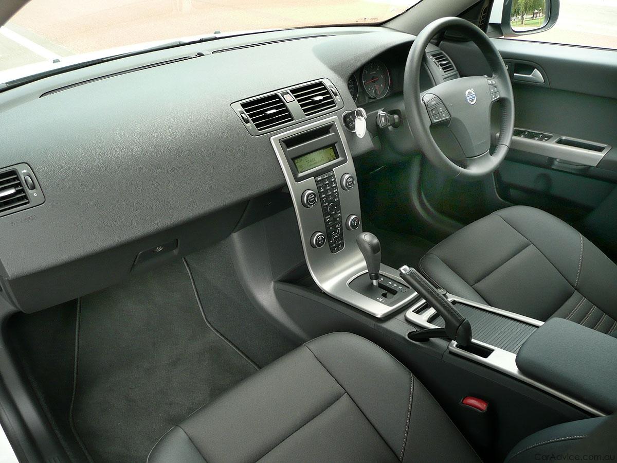 VOLVO V50 interior