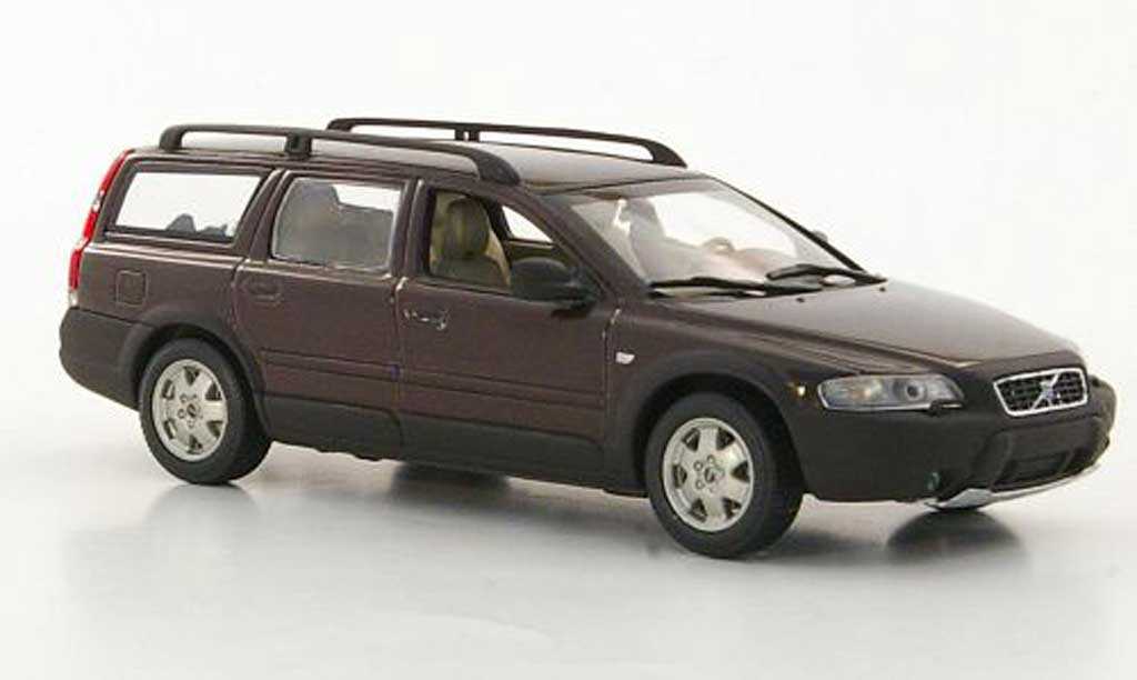 VOLVO V70 brown