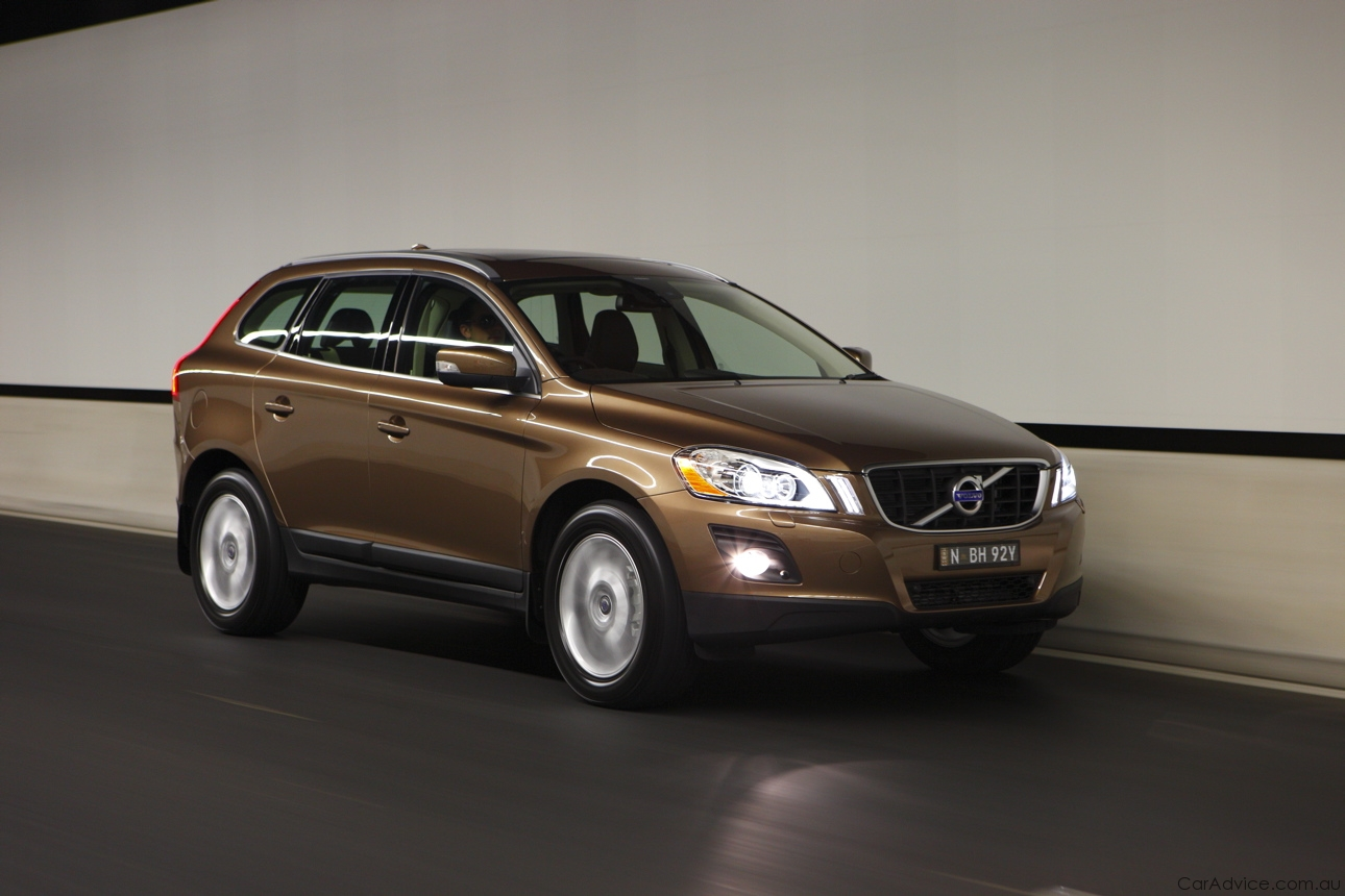 VOLVO XC 60 brown