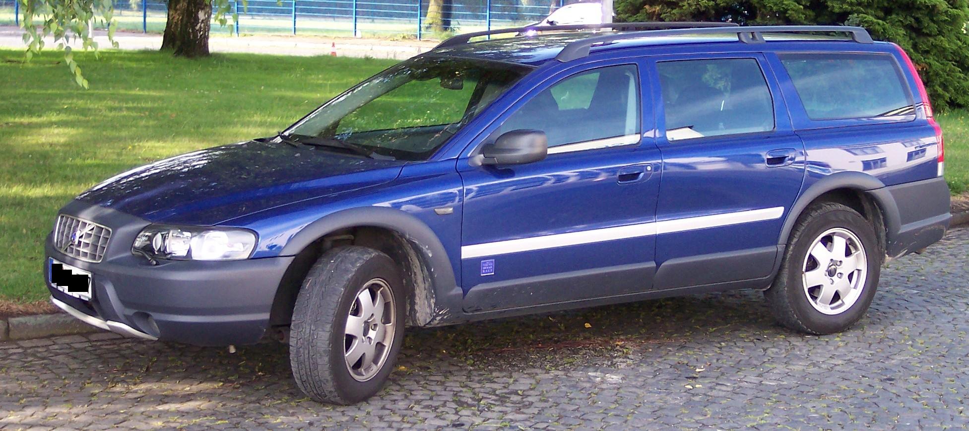 VOLVO XC 70 blue