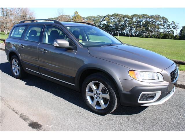 VOLVO XC 70 brown