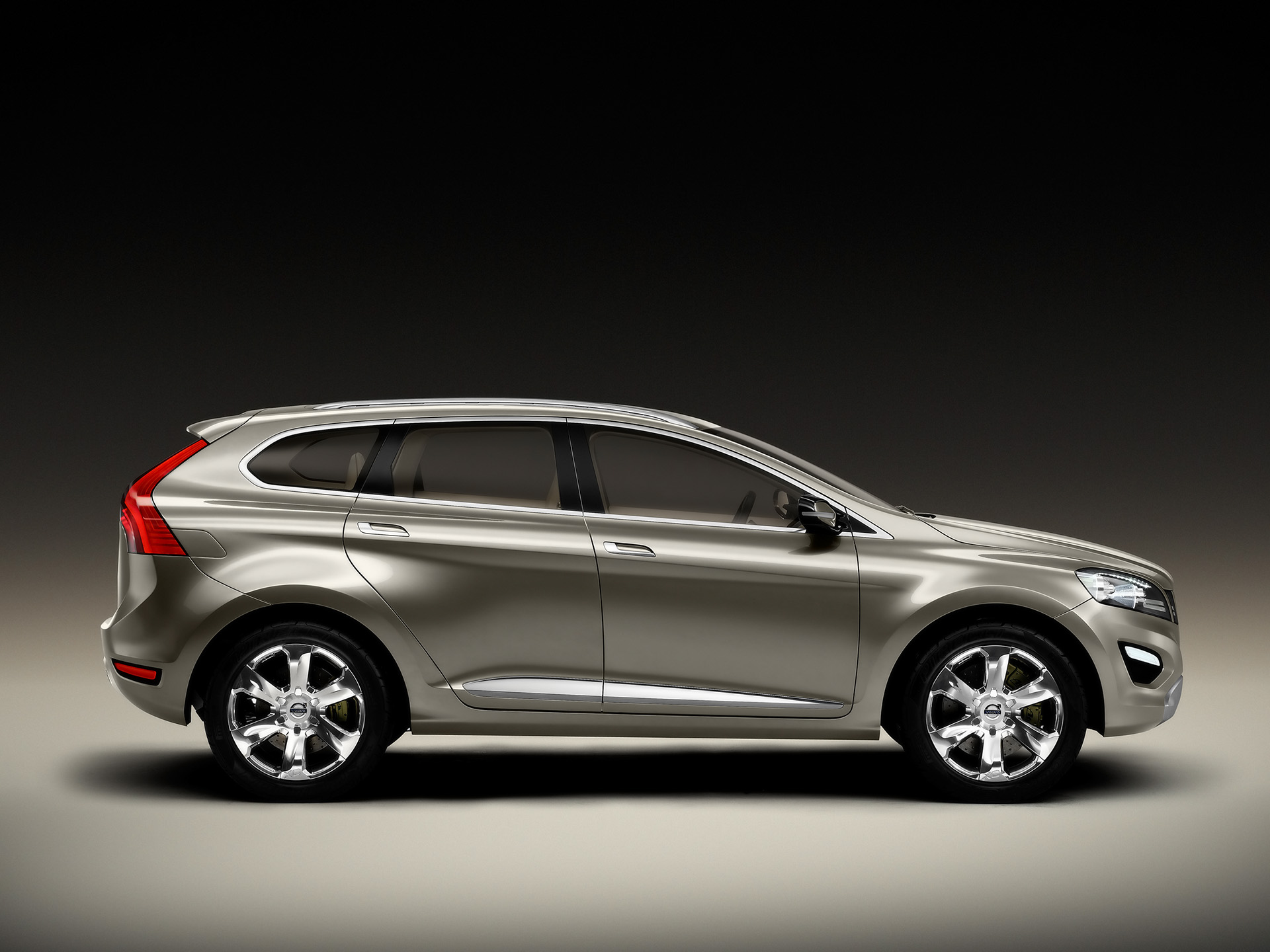VOLVO XC60 - Review and photos