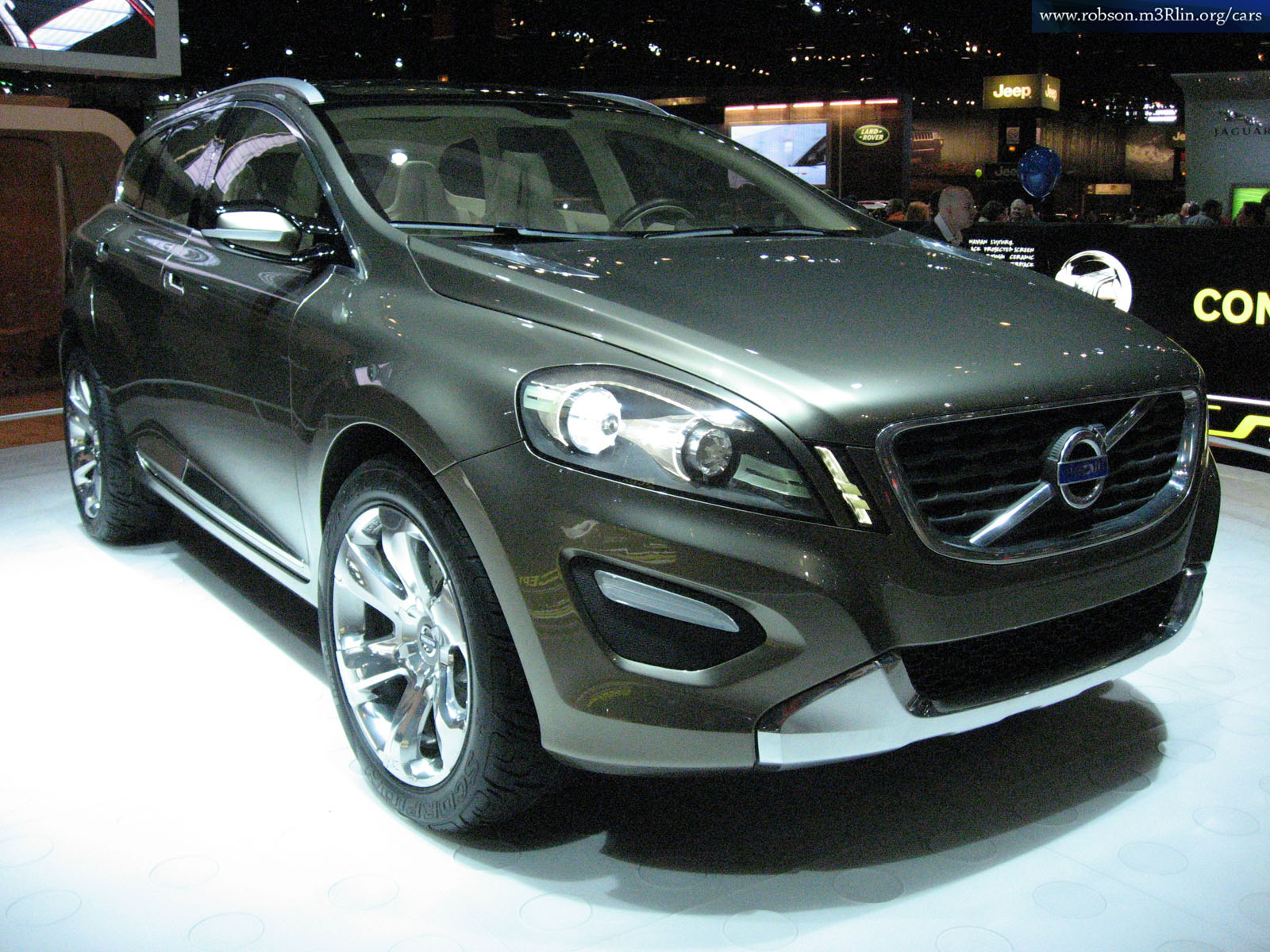 VOLVO XC60 brown