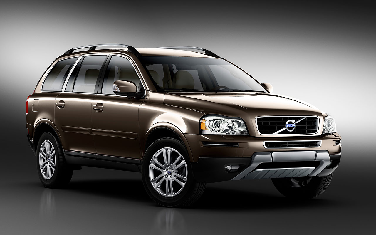 VOLVO XC90 brown