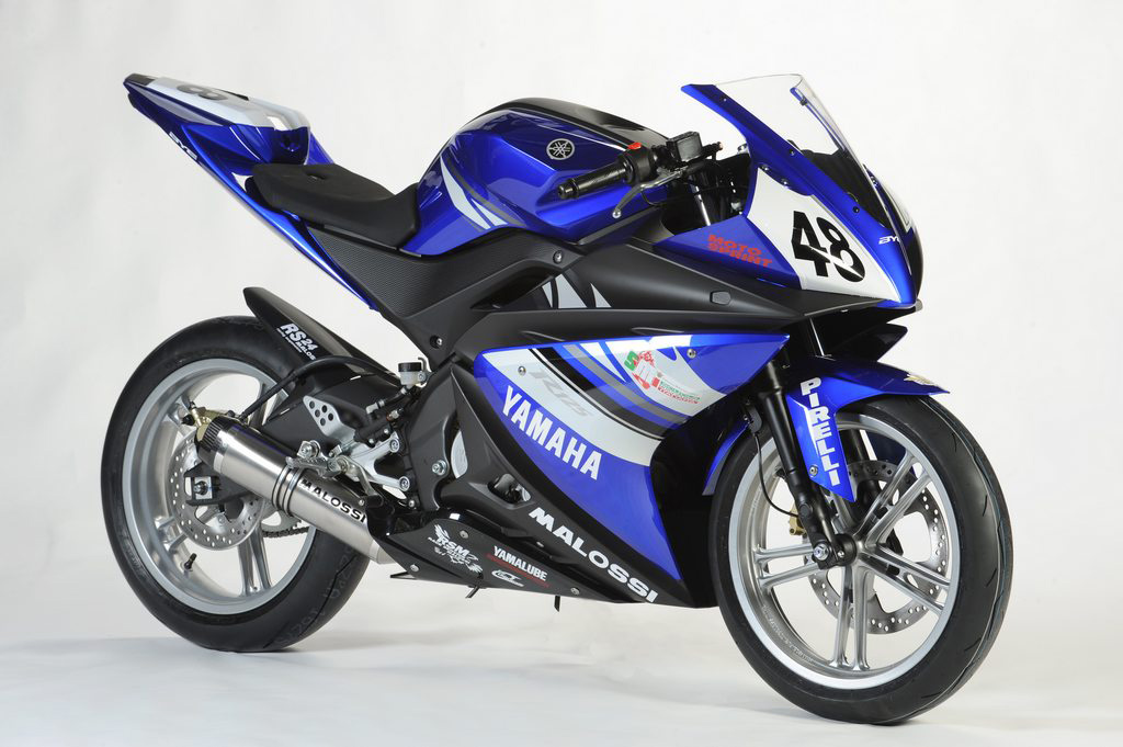 YAMAHA 125 YZF-R engine