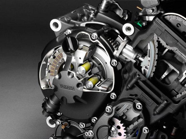 YAMAHA 600 R6 engine