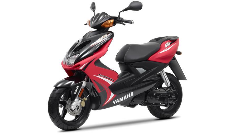 YAMAHA AEROX 50 red