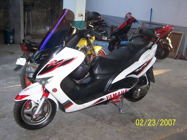 YAMAHA MAJESTY 125 white