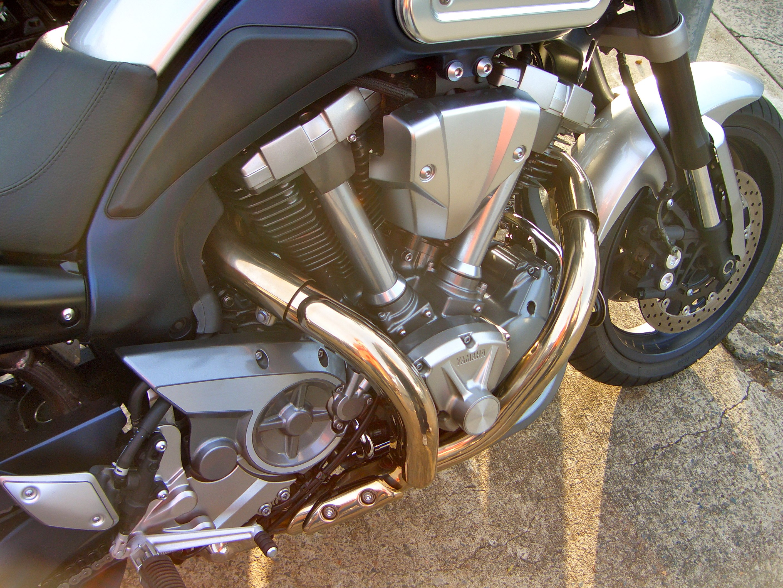 YAMAHA MT-01 engine