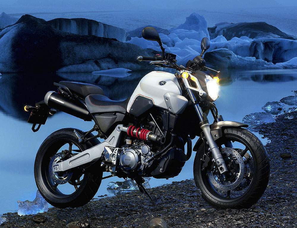 yamaha mt 03 review and photos. Black Bedroom Furniture Sets. Home Design Ideas
