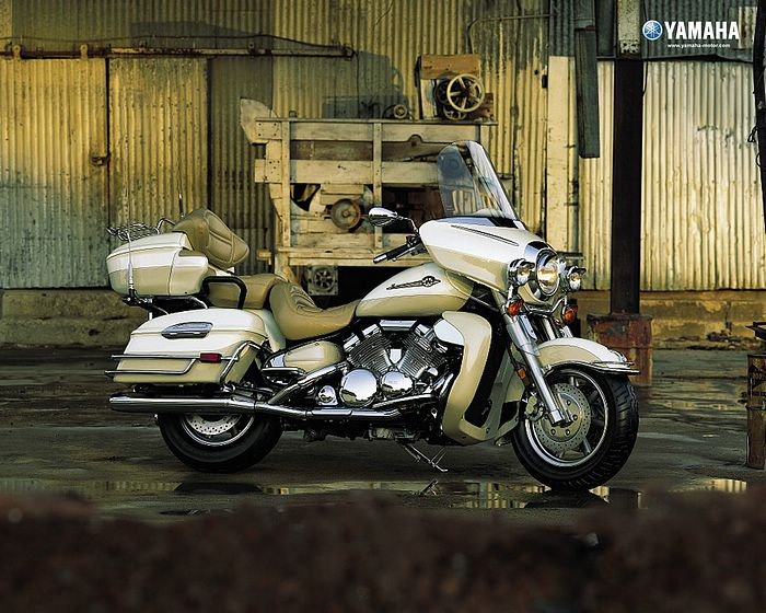 YAMAHA ROAD STAR white