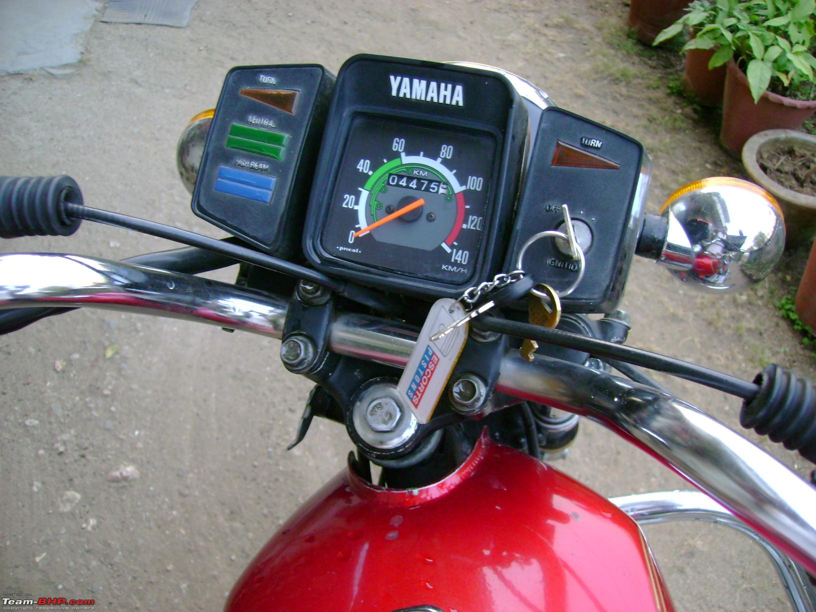 YAMAHA RX 100 red