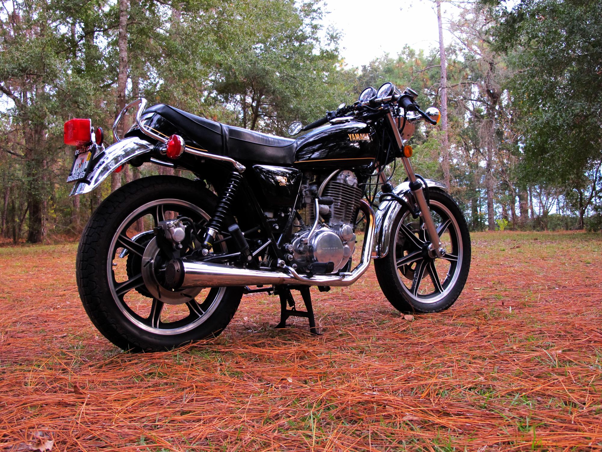 YAMAHA SR 500 white