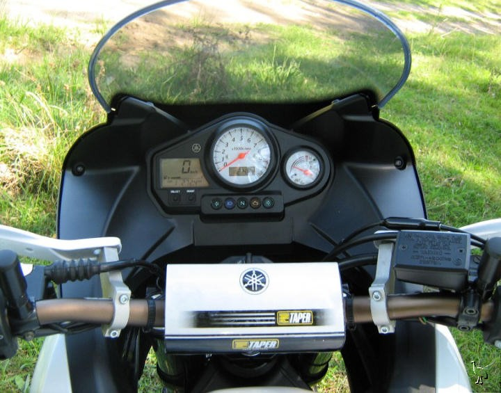 YAMAHA TDM 900A engine