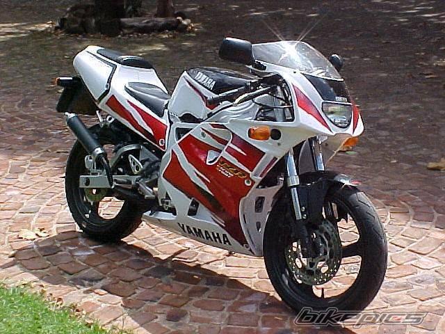 YAMAHA TZR250 white