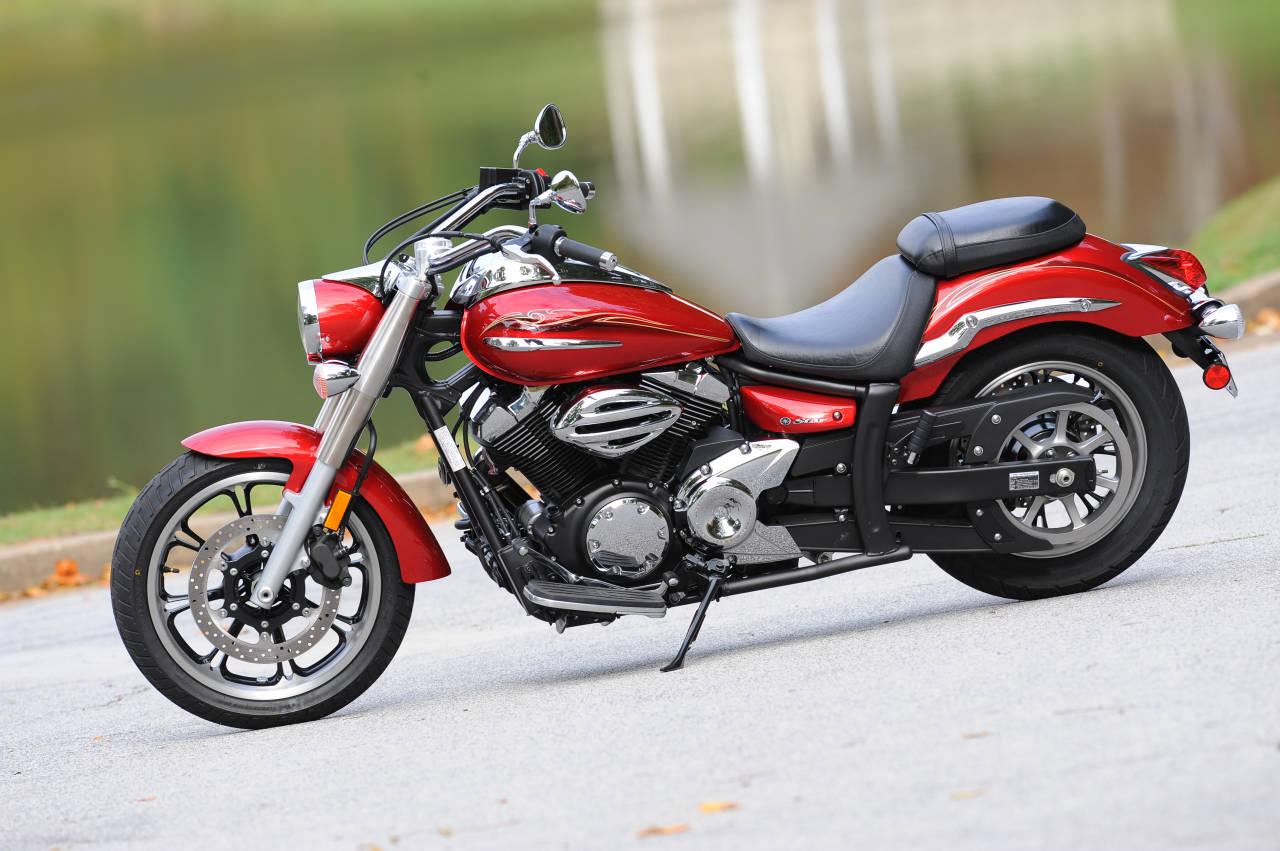 YAMAHA V STAR 250 red