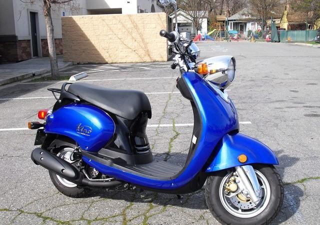 YAMAHA VINO blue