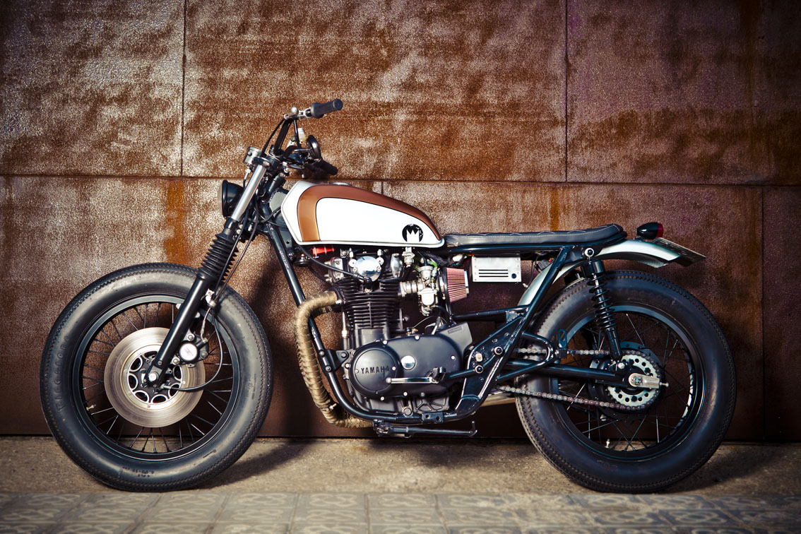 YAMAHA XS 650 CUSTOM interior