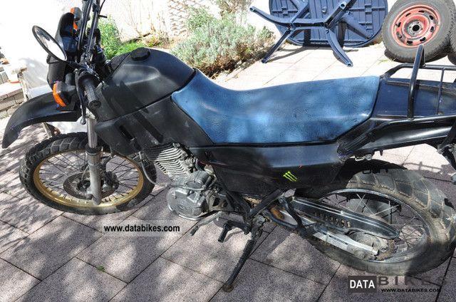 YAMAHA XT 600 K blue