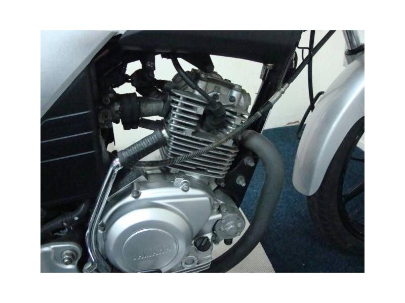 YAMAHA YBR 125 engine