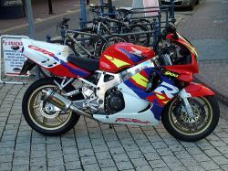 Honda CBR 919RR Fireblade
