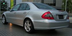 Mercedes-Benz W211