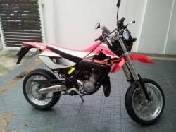 APRILIA MX 125 red