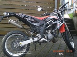 APRILIA SX red