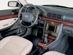 AUDI 1.8 20V interior