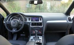 AUDI Q7 3.0 interior