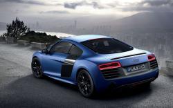 AUDI R8 blue