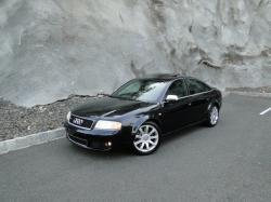 AUDI RS 6 black