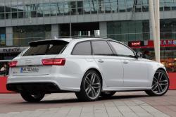 AUDI RS 6 white