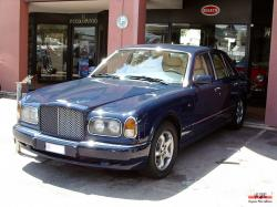 BENTLEY ARNAGE 6.8 green