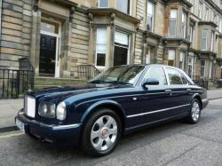 BENTLEY ARNAGE 6.8 red