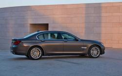 BMW 8 SERIES brown