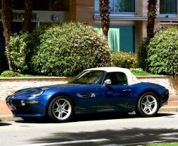BMW 8 blue