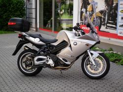 BMW F 800 ST white
