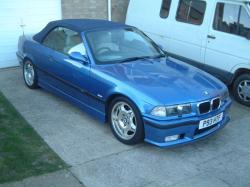 BMW M3 3.2 blue