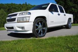 CHEVROLET COLORADO white
