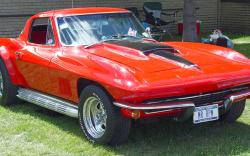 CHEVROLET CORVETTE 427 red