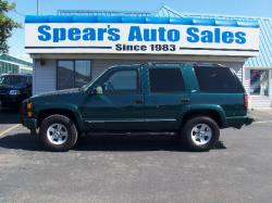 CHEVROLET TAHOE 4WD green