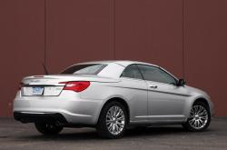 CHRYSLER 200 CONVERTIBLE black
