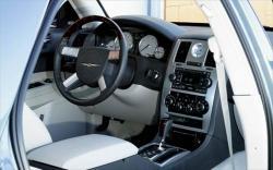 CHRYSLER 300 5.7 interior