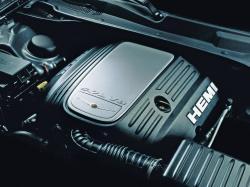 CHRYSLER 300C engine