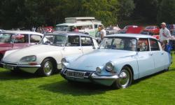 CITROEN DS 19 white
