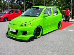 DAIHATSU YRV green