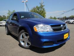 DODGE AVENGER SE blue