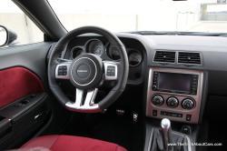 DODGE CHALLENGER 392 interior