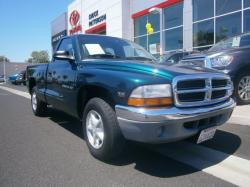 DODGE DAKOTA 3.9 green